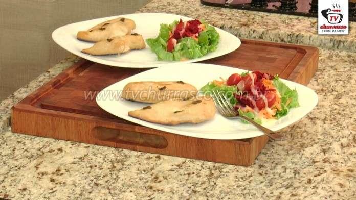Peito de Frango Assado e Salada Mista