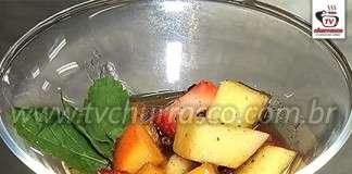 Salada de Frutas com Cachaça e Especiarias