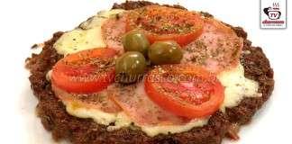 Pizza de Carne Moída com Lombinho