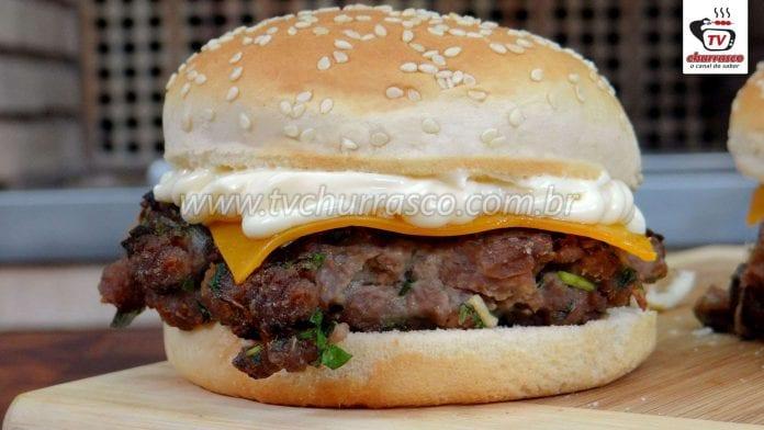 Hambúrguer Caseiro com Acém (Acém em Cubos picado na Faca)