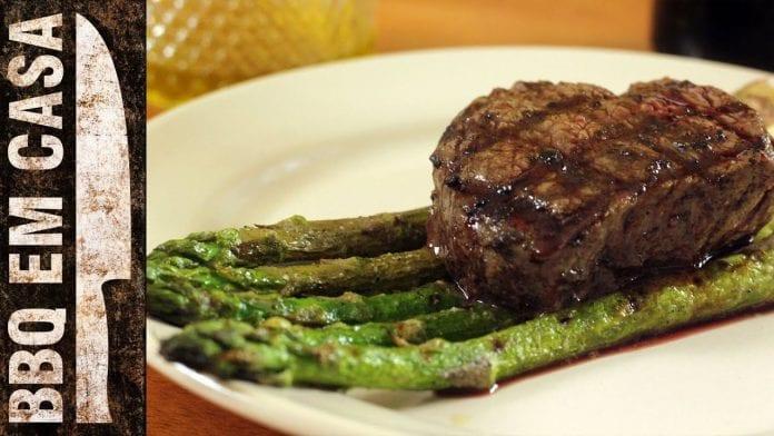 Receita de Filet Mignon com Aspargos - BBQ em Casa