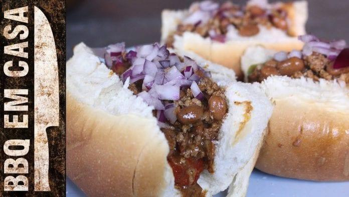 Receita de Chilli Dog (Cachorro Quente c/ Bacon e Chilli) - BBQ em Casa