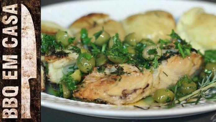 Receita de Bacalhau na Brasa com Batatas ao Murro - BBQ em Casa