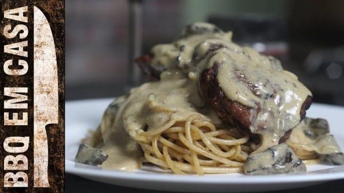 Receita de Filé Mignon ao Molho Funghi - BBQ em Casa
