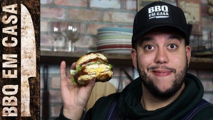 Receita de Hambúrguer de Frango ao Molho Barbecue - BBQ em Casa