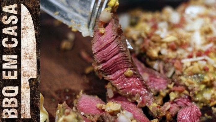 Receita de Miolo da Alcatra Encrostado com Nozes e Bacon com Queijo Brie - BBQ em Casa