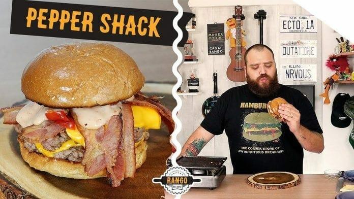 Hambúrguer com Bacon, Pimenta e Molho Especial - Pepper Shack - Canal Rango