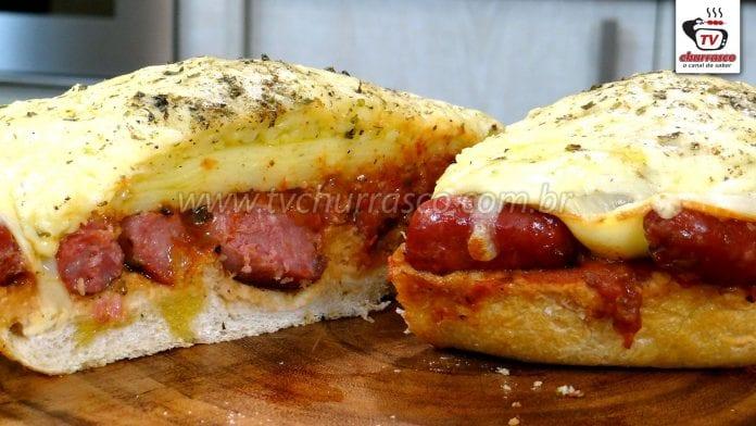 Como Fazer Pizza de Linguiça com Pão Italiano